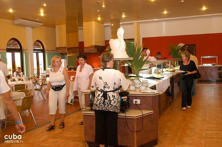 Marina Hemingway - Hotel Acuario Restaurant