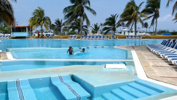 Marina Hemingway - Hotel Acuario Pool