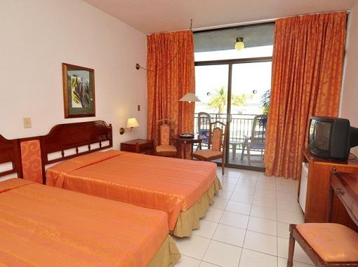 Marina Hemingway - Hotel Acuario Room