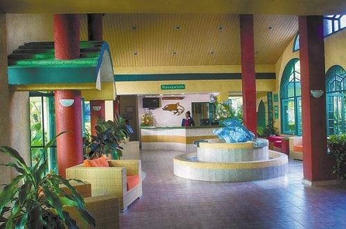 Los Delfines Lobby